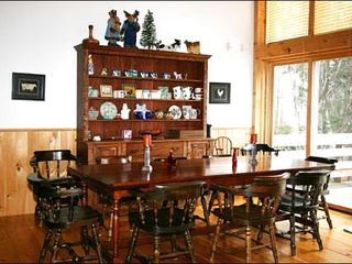 Stowe house photo - Farmhouse Table has Room for 10