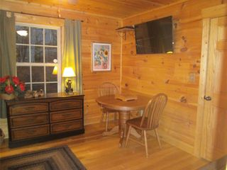 Murphy cabin photo - Versatile guest room