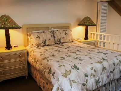 Kihei condo rental - Upstairs bedroom,white wicker furnishings,enclosable loft with sliding shutters