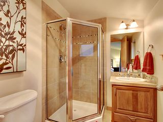 Seattle townhome photo - Bathroom #2 - Ensuite Bathroom to Bedroom #2