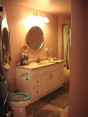 Shelter Cove cottage photo - Laundry front loader washer/dryer, restroom/ jacuzzi tub