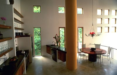 Manuel Antonio villa rental - kitchen / dining level