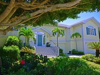 Banyan Bend Beach House - Luxurious And Private - 6 BR/6 BA