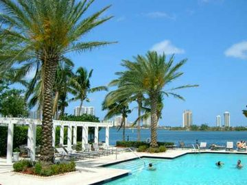 Aventura apartment rental - .