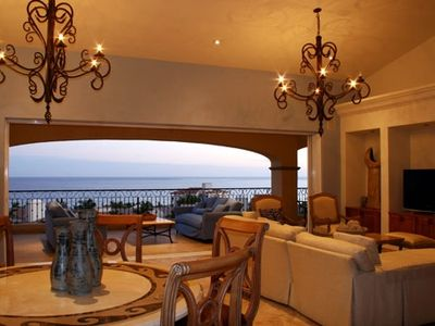 San Jose del Cabo condo rental - Spacious great room with unique outdoor-indoor floor plan and panoramic views