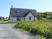 SEALLADH AN LOCHA COTTAGE, family friendly in Portree, Ref 913911