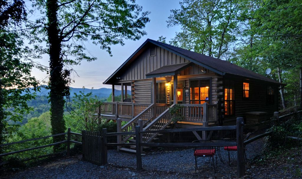 Awesome vierw of the blue ridge mountain vrbo for Blue ridge cabin rentals pet friendly
