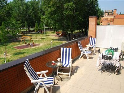 The Terrace. Overlooking the park, large, great for sunbathing & dining alfresco