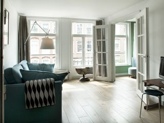 South Amsterdam apartment photo - { Sitting space with view to other smaller room, were there is now a bunk bed }