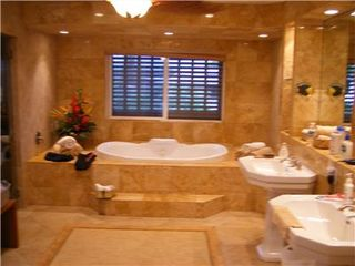 Makaha house photo - Fan House Master Executive Marble Bath with Sauna/Steamroom