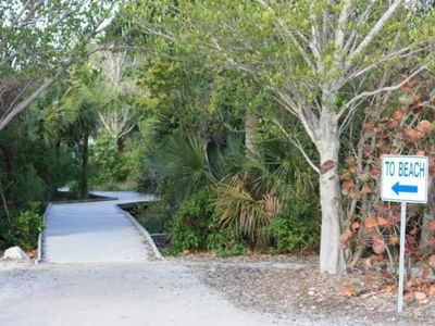 Access to nearby Sanibel/Captiva beaches, only 30 minutes away by car