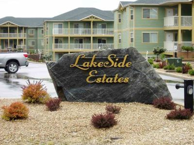 Entrance to Condos LakeSite Estates