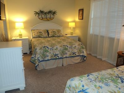 Guest BR - Pillow Top Queen plus a single & Walk-in Closet. Flat Screen TV.