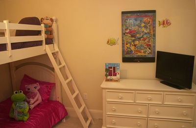 Guest Bedroom - Complete with 2 sets of Bunk Beds - Sleeps 4 in Room