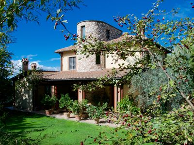 Meridolio, a charming country Villa with pool in the countryside near Rome