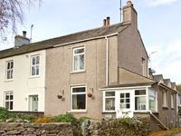 BEECH COTTAGE, pet friendly, with a garden in Scales, Ref 3709