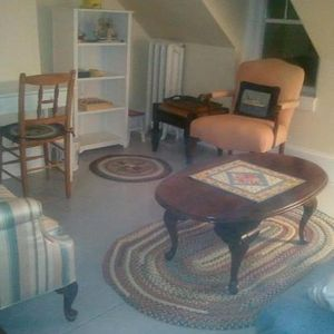 Rockland cottage rental - The guest sitting room