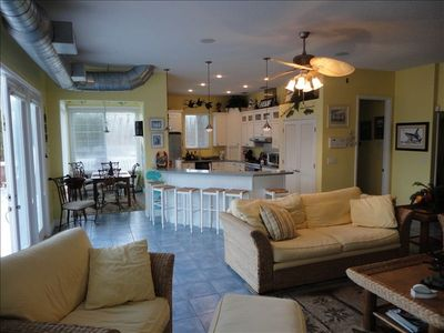 Crystal River house rental - View of livinng room, kitchen, And dining room on second level