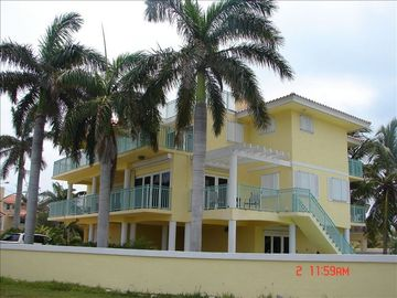 Key Largo house rental - Front Elevation faces the Ocean