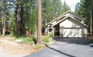 Truckee house rental - Front of house