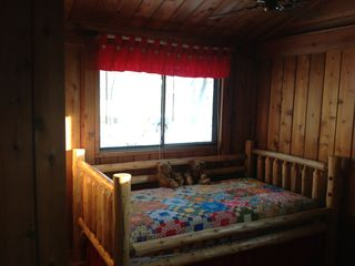 Elk Rapids cottage photo - Bedroom with 2 twin beds