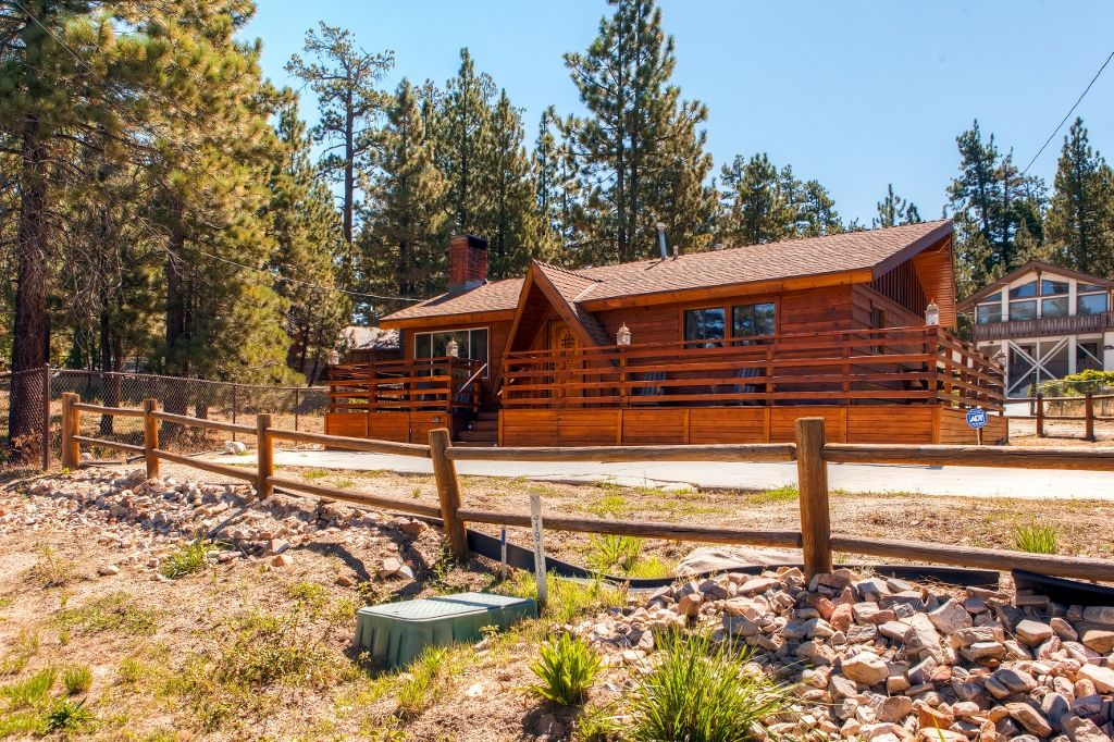 New Listing Inviting 3br Big Bear Lake Cabin Vrbo