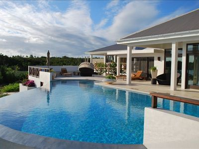 Seabird Villa, Brand New, Minutes Away from Rendezvous Bay