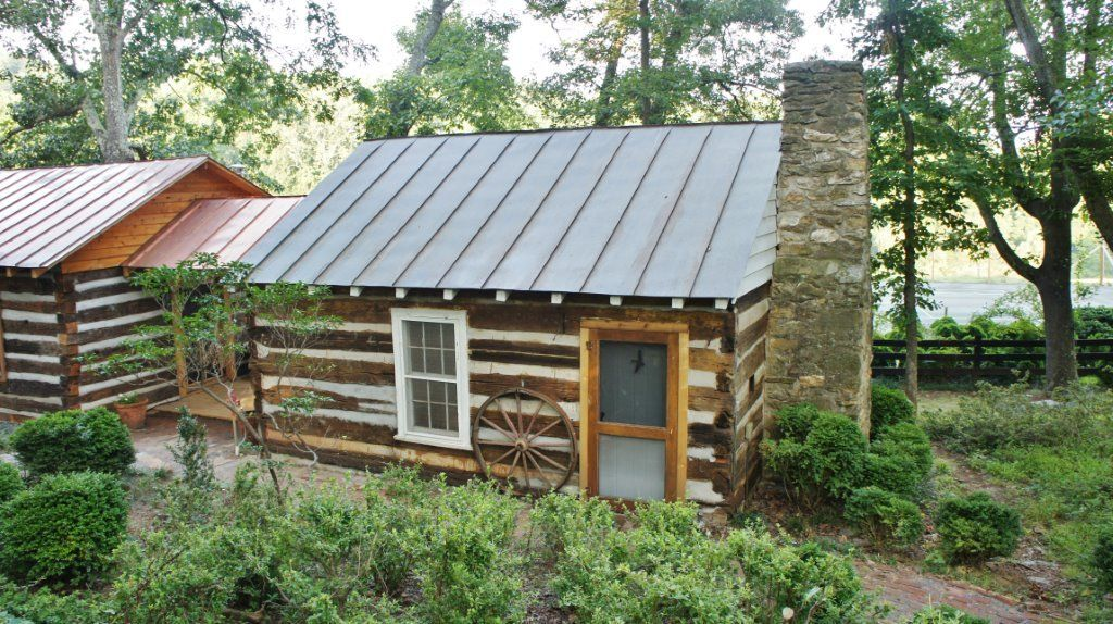 Madison beautiful restored log cabin with vrbo for Madison cabin rentals