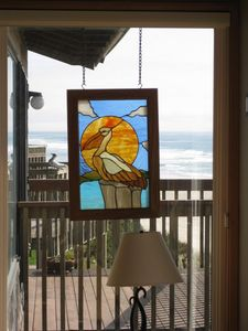 Lincoln City townhome rental - Stained Glass in side window