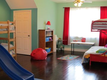 Kid's Heaven - sleeps 7