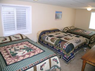 Driggs house photo - large bedroom with 3 queen beds