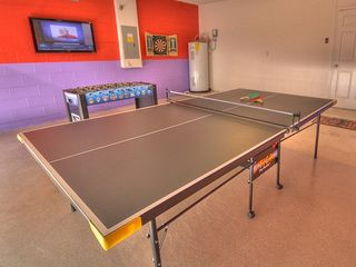 Games room, 42 inch LCD TV, Table Tennis! Darts and Foosball, Family Fun!