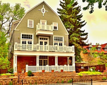 The Heart of Manitou Springs. Award-winning. Luxurious. Historic. Sleeps 14.