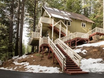Yosemite National Park house rental - Come escape to this beautiful Yosemite vacation rental home.