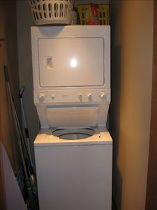 in unit washer and dryer, pack less and save on the airline fees
