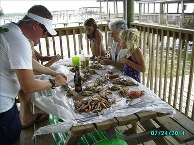 Yum, yum! teaching grandkids how to pick crabs