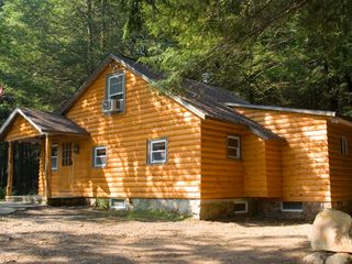 Bushkill cabin photo - Secluded log Cabin in a Hemlock Forest