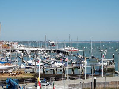 Cowes apartment rental - Stunning Views!