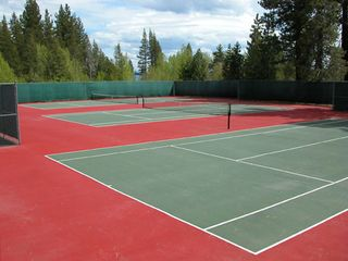 Carnelian Bay townhome photo - Summer Tennis