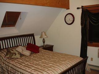Newbury chalet photo - Upstairs Bedroom with Queen Size Bed