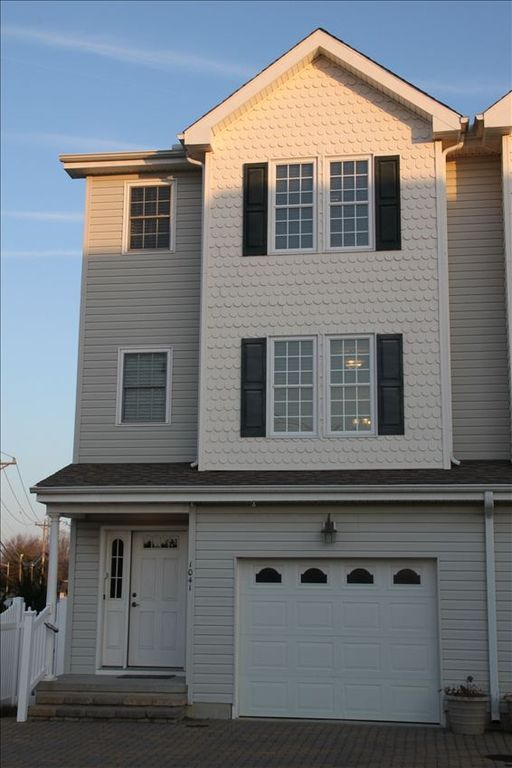 Rehoboth Beach townhome rental - Front of Townhome