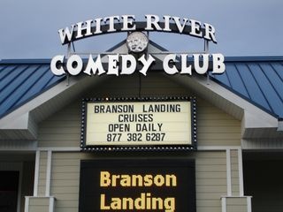 Branson hotel photo - Take A Lunch or Dinner Cruise On Lake Taneycomo!