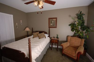 South Haven estate rental - Garden Suite Full BR/2nd Flat