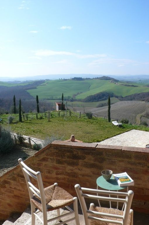 Farmhouse apartment with swimming pool and sensational views - Sienne - appartement