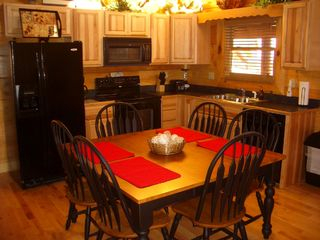 Pigeon Forge cabin photo - Full Service Kitchen