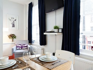 Camden Town apartment rental - 30 seconds to the nearest tube station