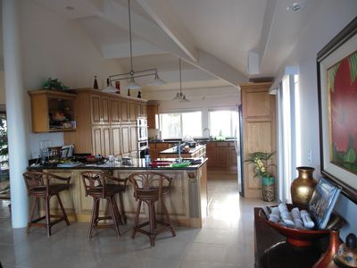 Maunaloa estate rental - View of Kitchen and bar area