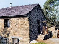 THE HAYLOFT, pet friendly, with open fire in Staveley, Ref 754