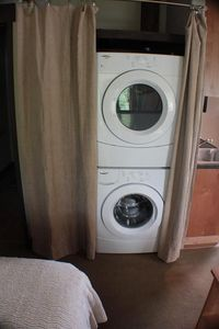 Washer/Dryer included