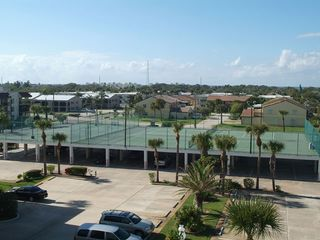 Cocoa Beach condo photo - Tennis and Basketball Court